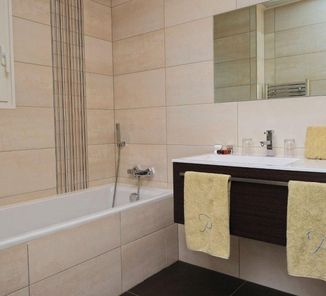 Bathroom Double room apartment Pinarello Porto-Vecchio