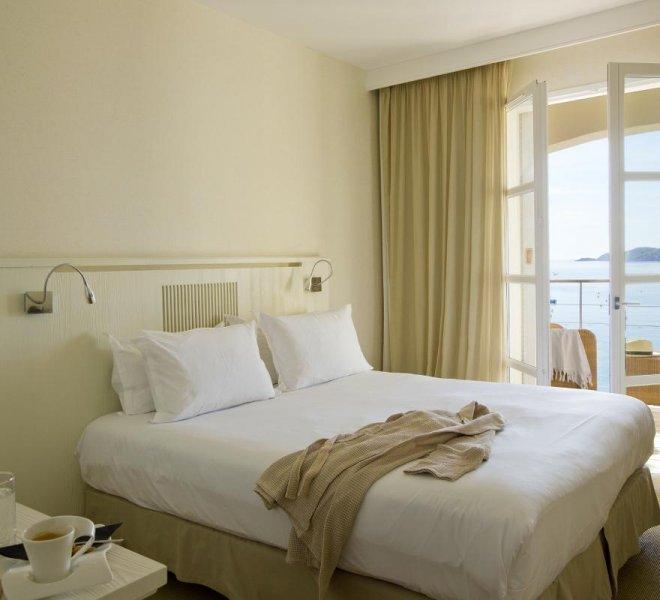 Chambres standard vue mer hôtel le pinarello à Porto-Vecchio en Corse