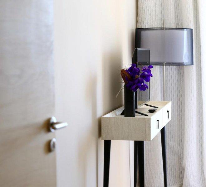 Entrée chambres supérieures luxe hôtel le pinarello à Porto-Vecchio