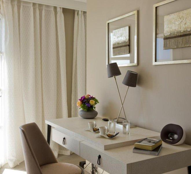 résidence-suite-hotel-spa-luxe-le-pinarello-corse-du-sud-décoration-intérieure-bureau-vue-mer