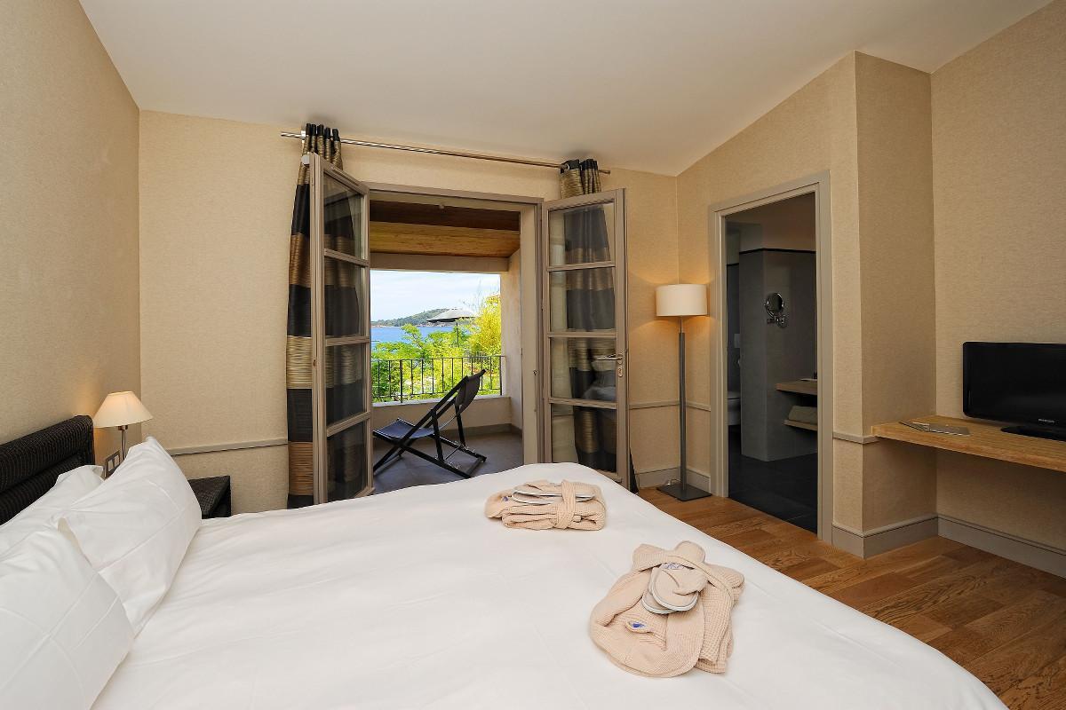 Chambre résidence suite duplex rouf hôtel spa le pinarello à porto-vecchio