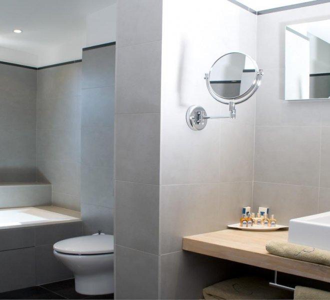 Salle de bain résidence suite duplex rouf hôtel spa Le Pinarello en Corse