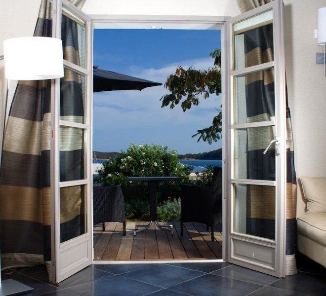 terrasse vue mer chambre résidence hôtel luxe Le Pinarello en Corse