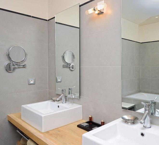 Salle de bain résidence suite villa Genovese hôtel spa le pinarello à porto-vecchio