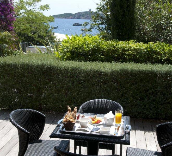 Salon extérieur résidence villa Genovese hôtel luxe le pinarello à porto-vecchio