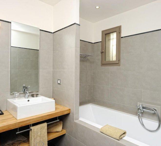Salle de bain résidence villa Rusant à porto-vecchio en corse du sud