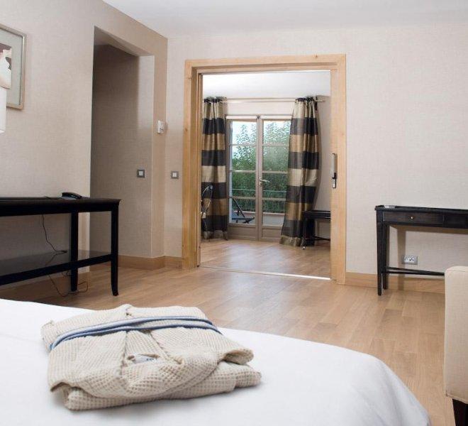 Aménagement intérieur Vue mer chambre résidence hôtel Pinarello