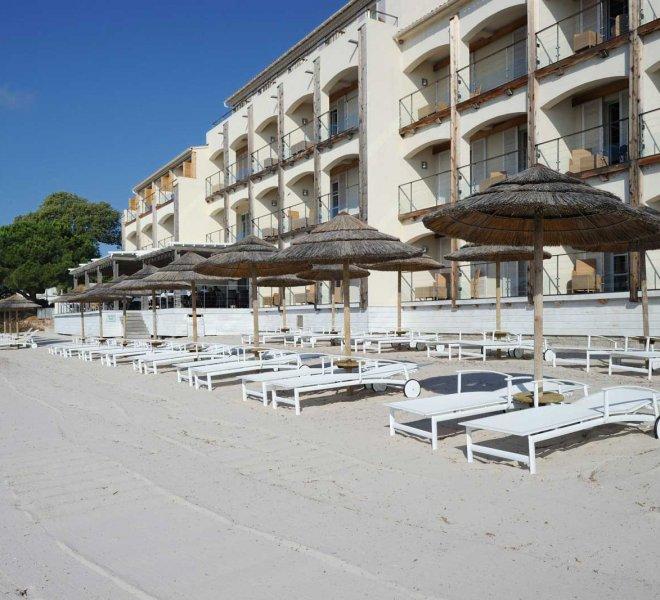plage aménagée hôtel luxe en Corse du sud pinarello