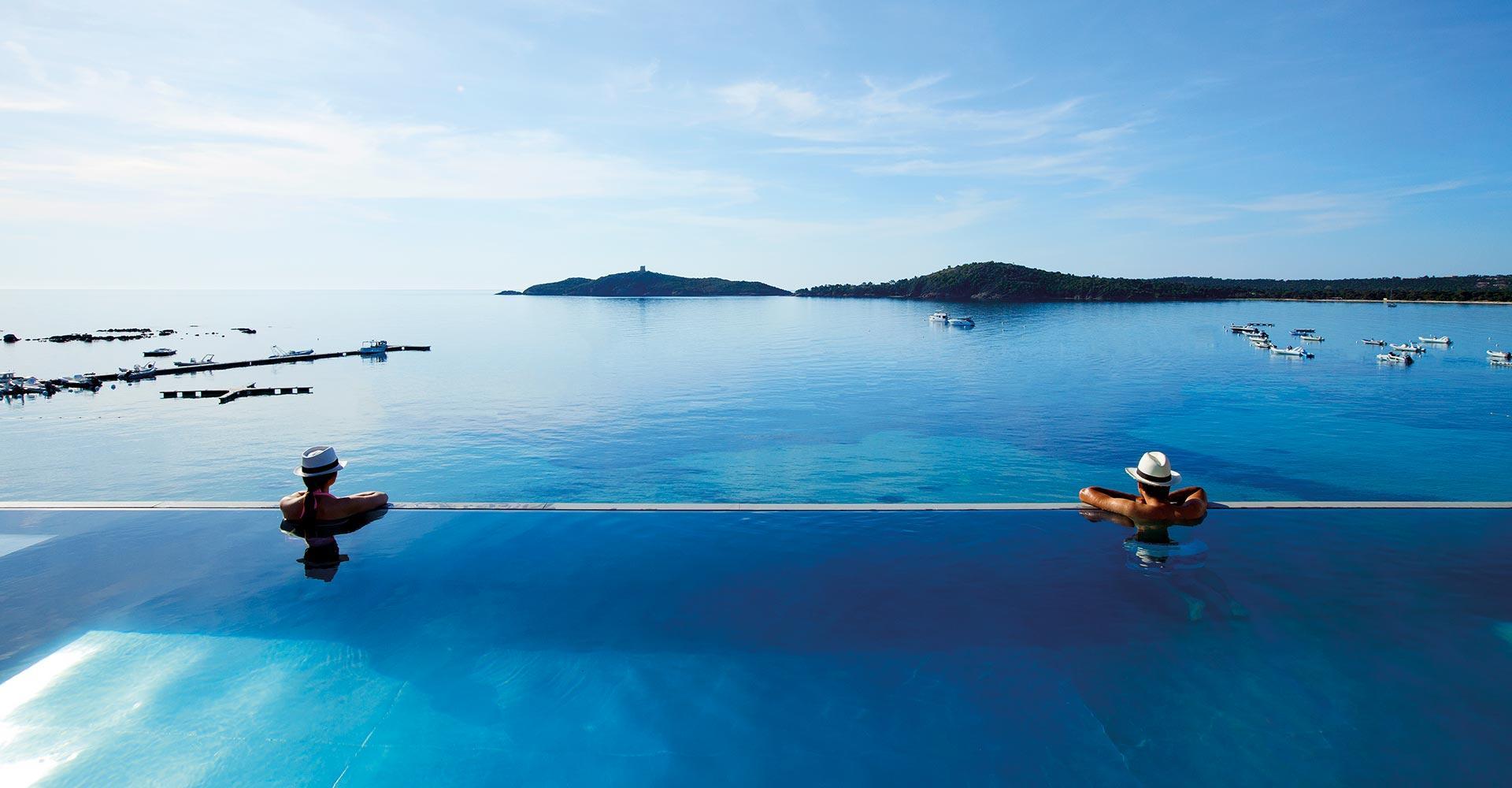 piscine sur le toit hôtel spa en Corse Le Pinarello