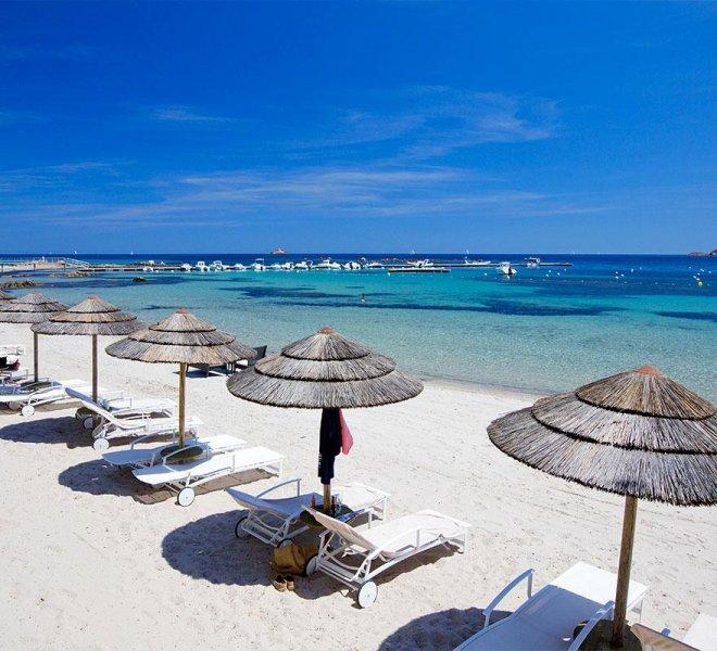 restaurant carte snack sur le plage de l'hôtel le Pinarello en Corse