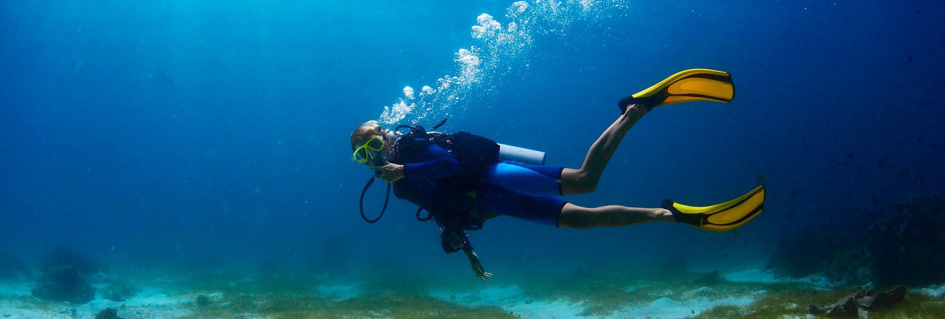 plongée sous marine dans la baie de Pinarello en Corse