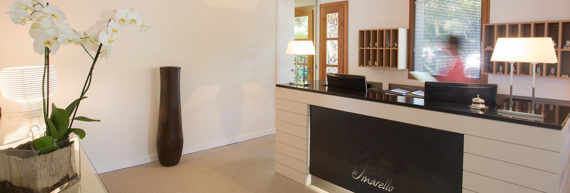 Reception hôtel le Pinarello à Porto-Vecchio en Corse du Sud