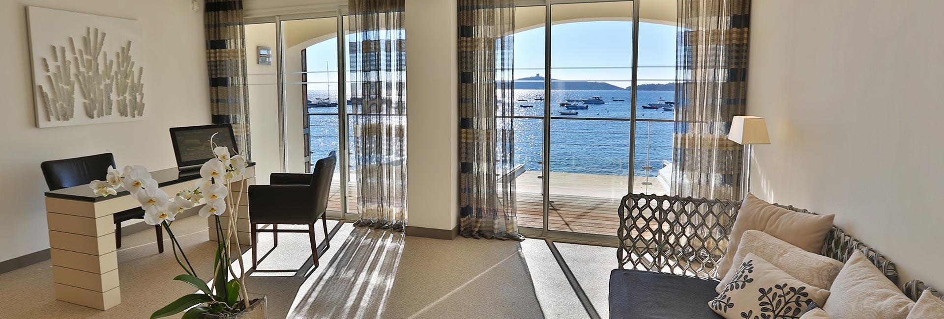 reception hotel 4 étoiles le pinarello à Porto-Vecchio en Corse