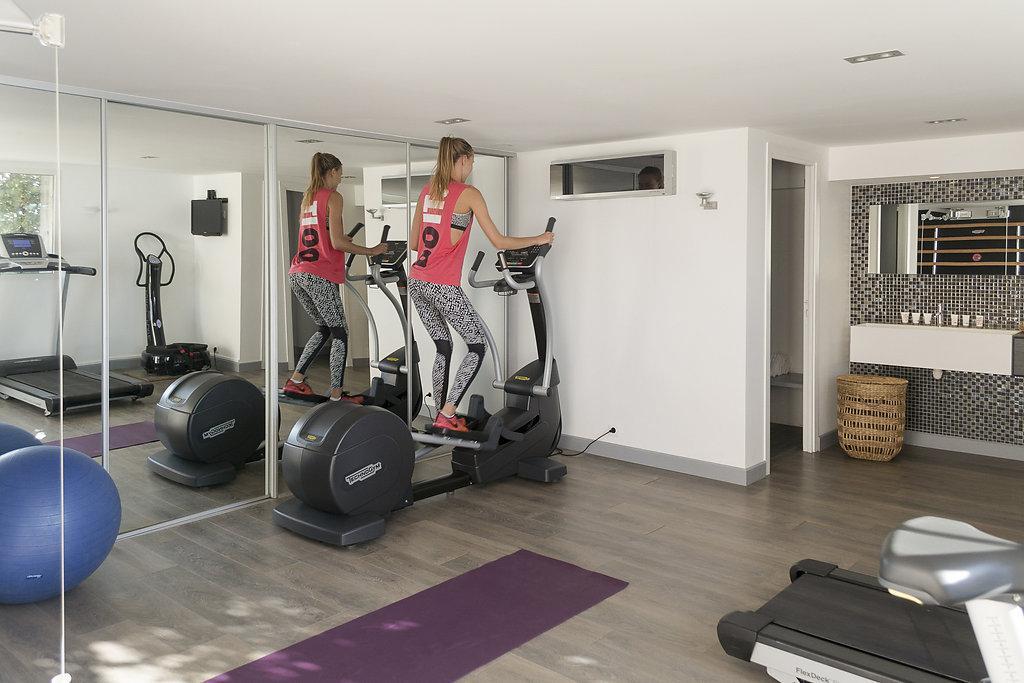 Salle fitness hotel spa bord de mer