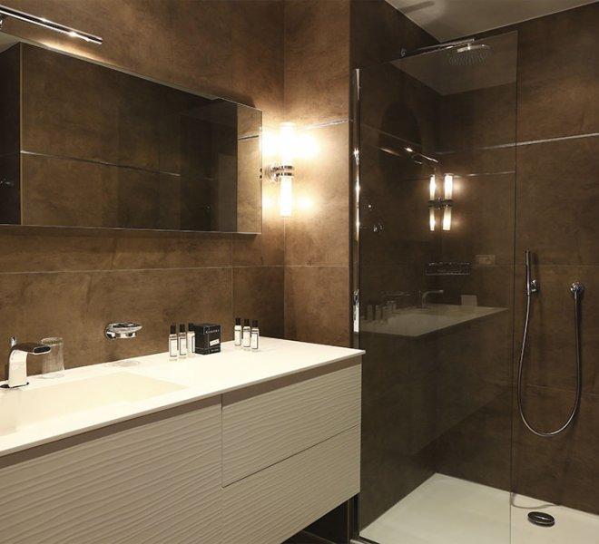 Luxury room bathroom Porto-Vecchio hotel