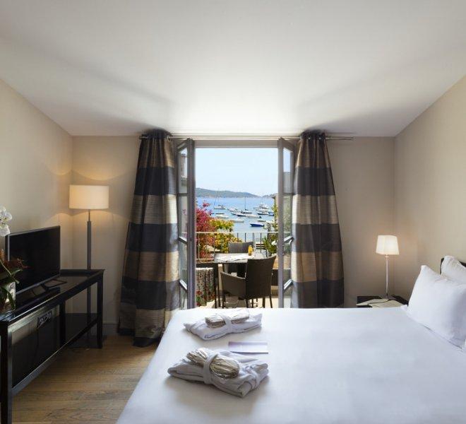 Chambre Cyprianu avec terrasse vue mer